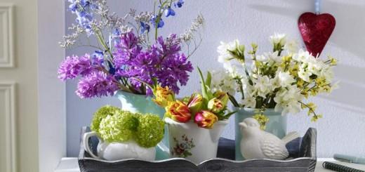 As flores são grandes aliadas da decoração, por deixarem a casa muito mais bonita e alegre   Foto: Blog Faniquito .