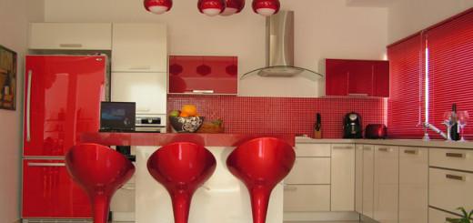 O design escolhido para a cozinha faz toda a diferença, tanto na decoração quanto na organização   Foto: Cozinha Decorada.