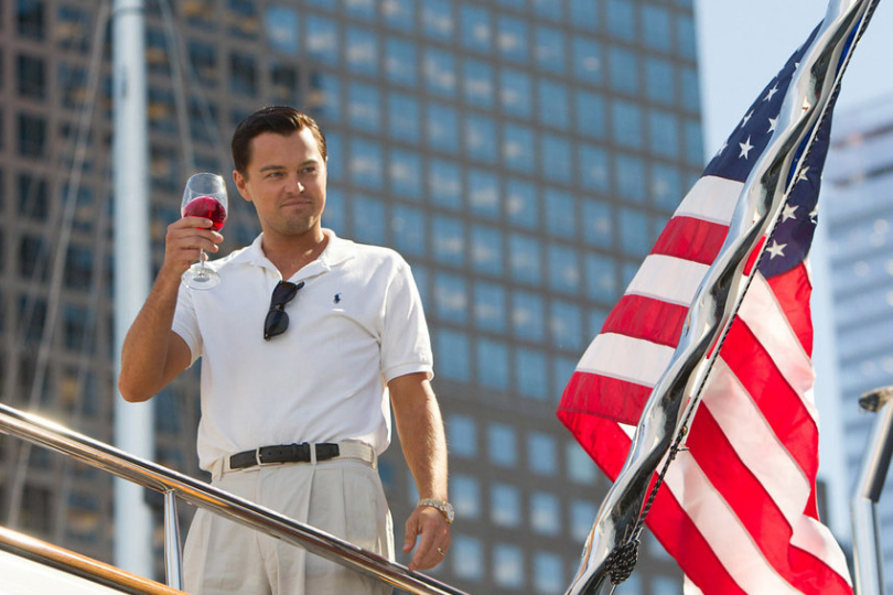 Leonard Di Caprio no filme O Lobo de Wall Street
