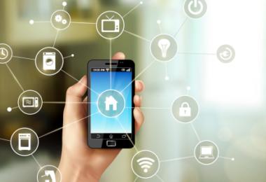 opções relacionadas a funcionalidades do imóvel ativadas pelo celular